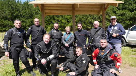 back  L-R: Craig Challen (casualty), Thomas Knedlik, Alex Boulton, Linda Claridge (CDAA Instructor), Tim Muscat, Steve Coulter, Dr Richard Harris (CDAA Search & Rescue Officer) front L-R: Tim Payne (CDAA Instructor), Ken Murrey, Steve Saville.