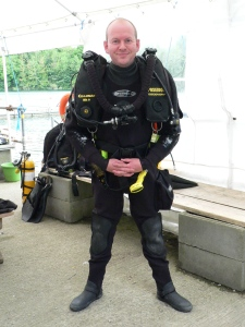 If you want to be a scuba hero you also need to stand like one!
